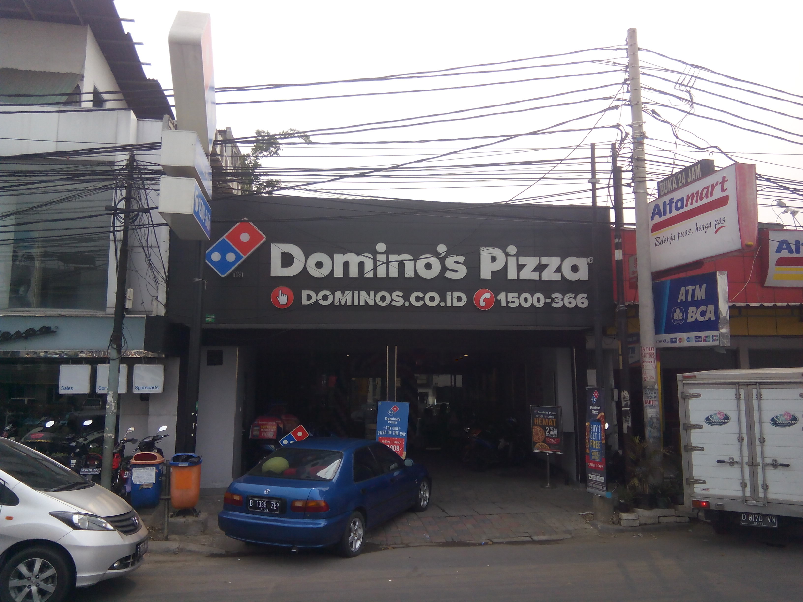 Domino's Pizza - Jatinegara, Jakarta Timur